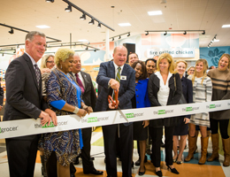 Fresh Grocer Opens in Upper Darby