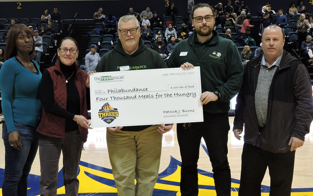 Fresh Grocer Partners with Drexel Men's Basketball to Fight Hunger in Philadelphia